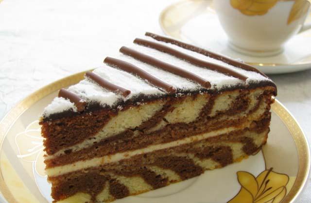 Кусочек торта Зебра на кефире