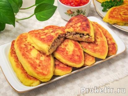 Зразы картофельные с фаршем на сковороде стретч: фото 413кс310