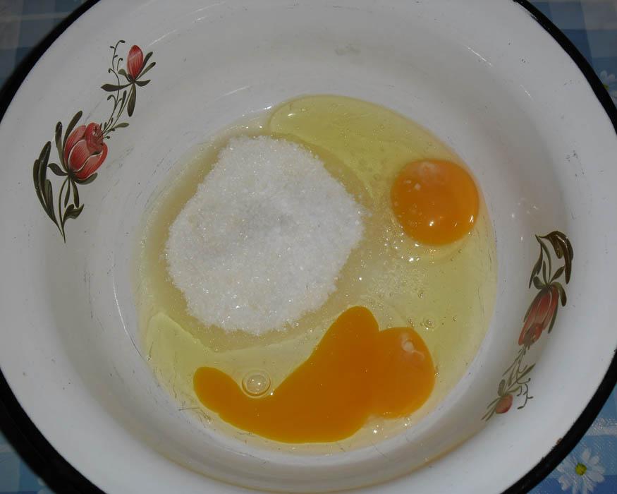 яйца, сахар