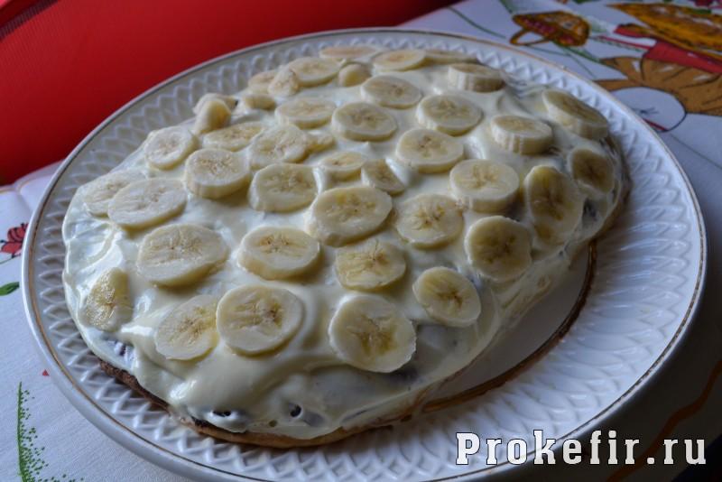 Торт бисквитный со сметаной и бананом