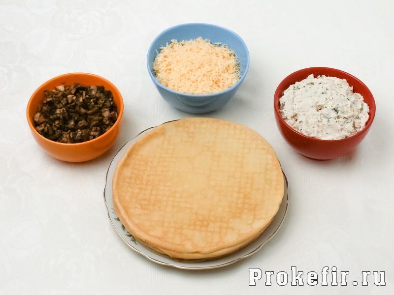 Блинный пирог с курицей и грибами и сыром в духовке: фото 3