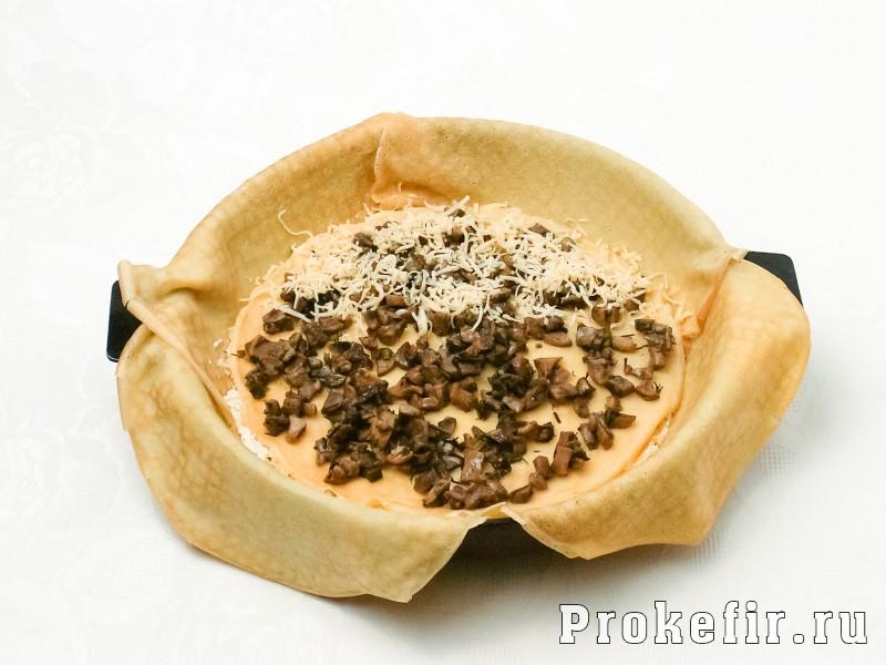 Блинный пирог с курицей и грибами и сыром в духовке: фото 6