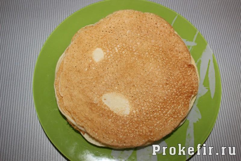 Блинный торт на кефире со сметанным кремом: фото 5