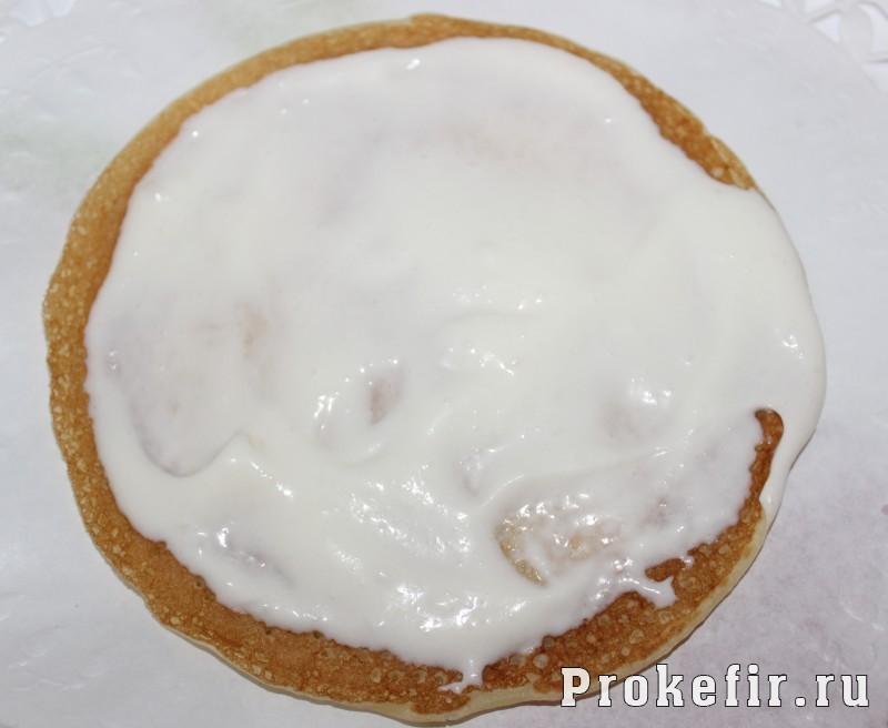 Блинный торт на кефире со сметанным кремом: фото 9