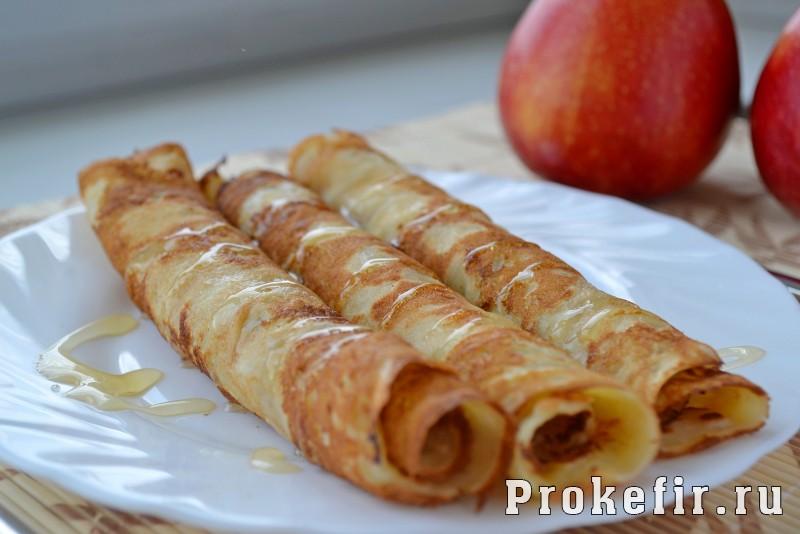 Блины с припеком с яблоками на кефире