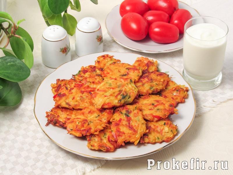Драники с колбасой и овощами на кефире: фото 5