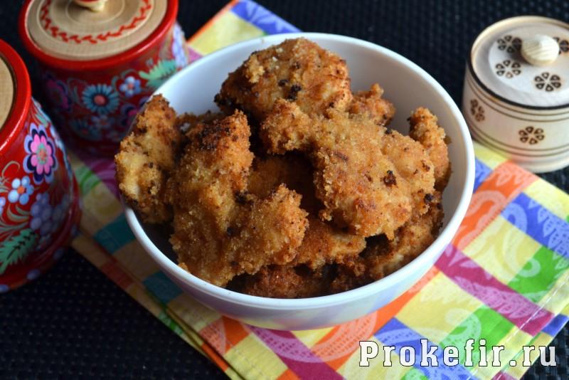 Филе куриной грудки в панировочных сухарях на сковороде в кефирном маринаде