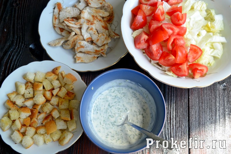 Греческий салат рецепт классический с пекинской капустой и сухариками: фото 6
