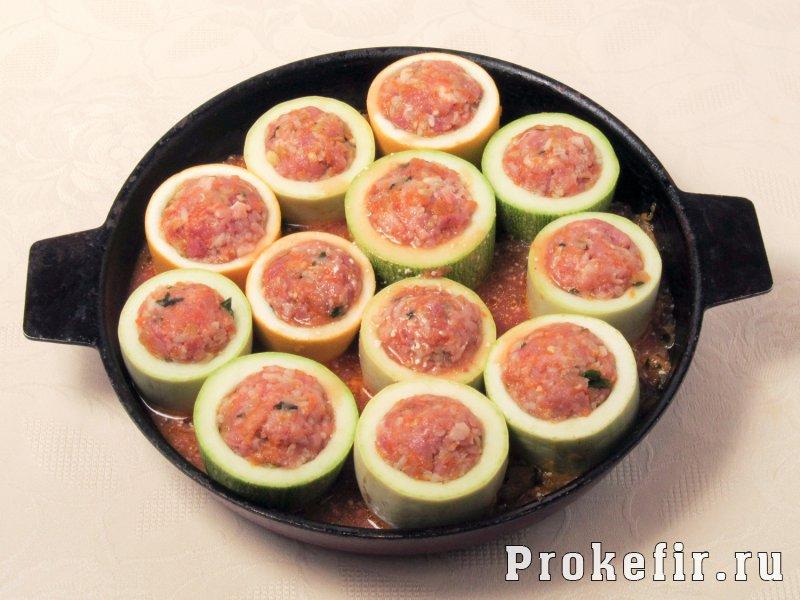 Кабачки тушеные с рисом и фаршем в томатно кефирной заливке: фото 6