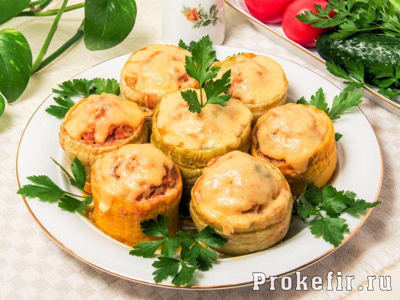 Кабачки тушеные с рисом и фаршем в томатно кефирной заливке: фото 7