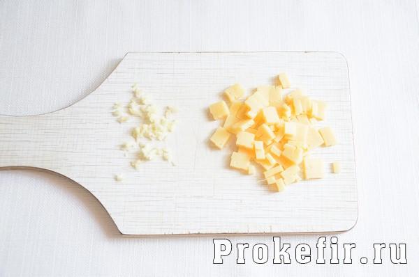 Кабачки в кляре на сковороде с чесноком и сыром: фото 3