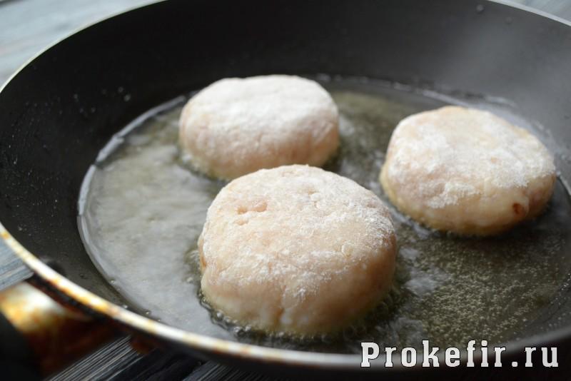 Как приготовит котлеты из шчуки с салом и кефиром: фото 11