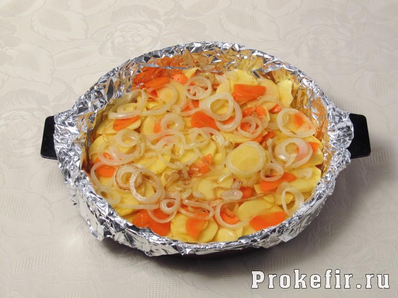 Как приготовит скумбрию в духовке в фолге с картошкой и другими овощами: фото 5