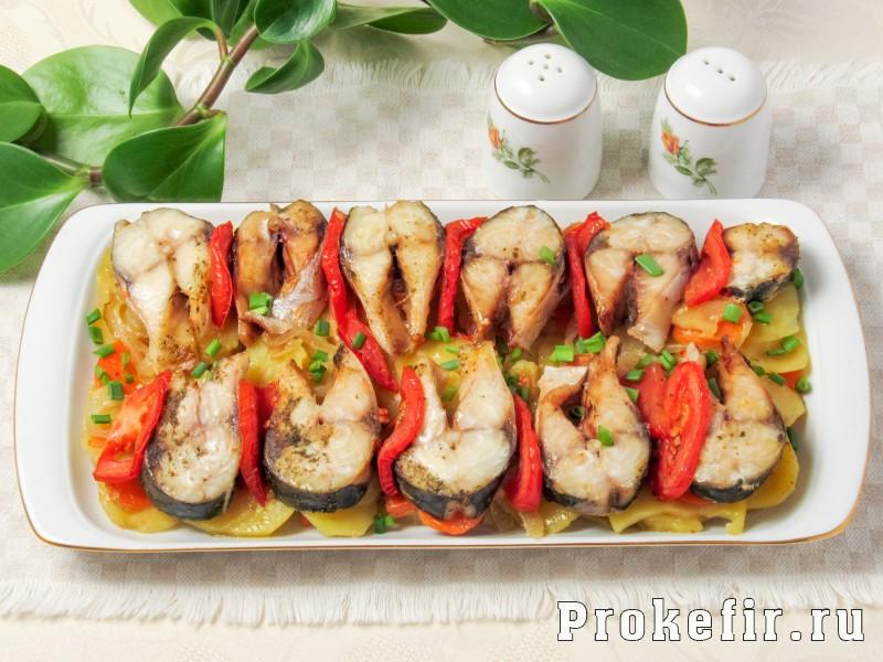 Как приготовит скумбрию в духовке в фолге с картошкой и другими овощами
