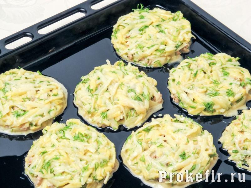 Картофельные драники с фаршем в духовке: фото 6