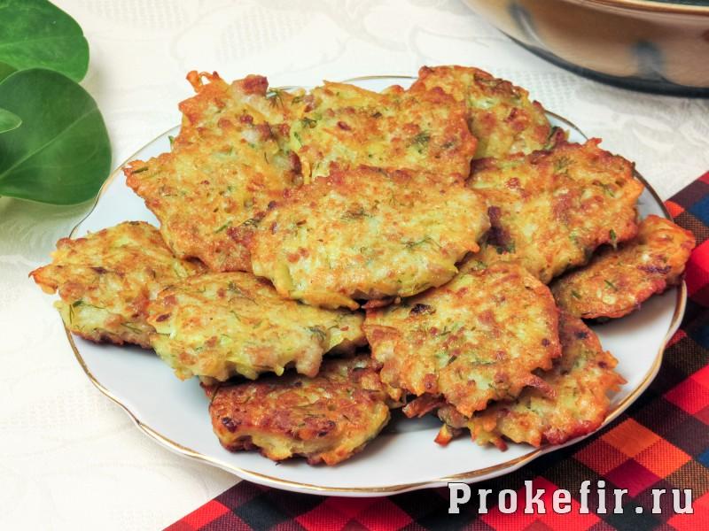 Картофельные драники с фаршем в духовке: фото 7