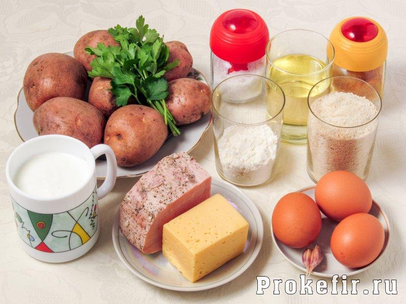 Картофельные шарики с сыром и ветчиной во фритюре с кефирным соусом: фото 1