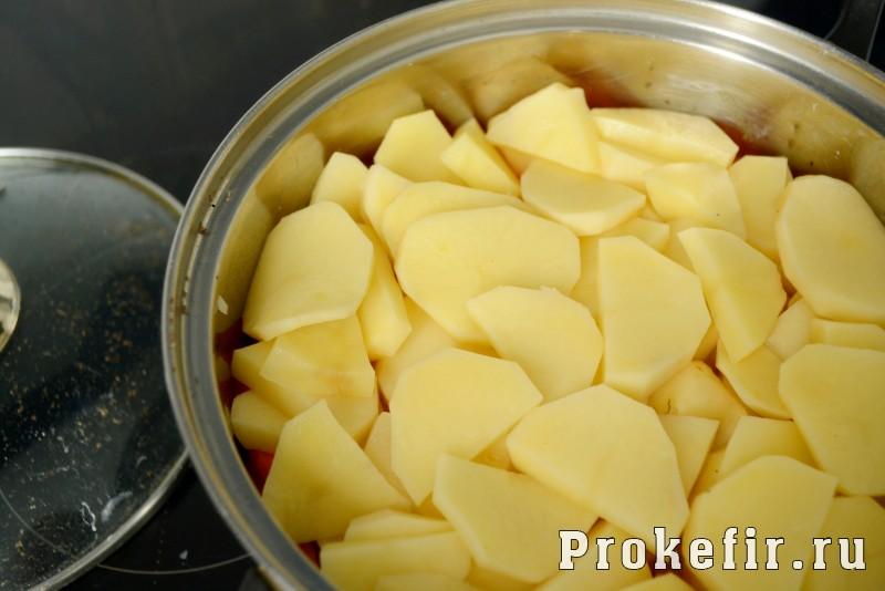 Хашлама из говядины с картофелем в кефирном маринаде: фото 6