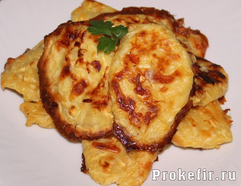 Котлеты из кабачков с сыром и чесноком в духовке с кефиром: фото 9