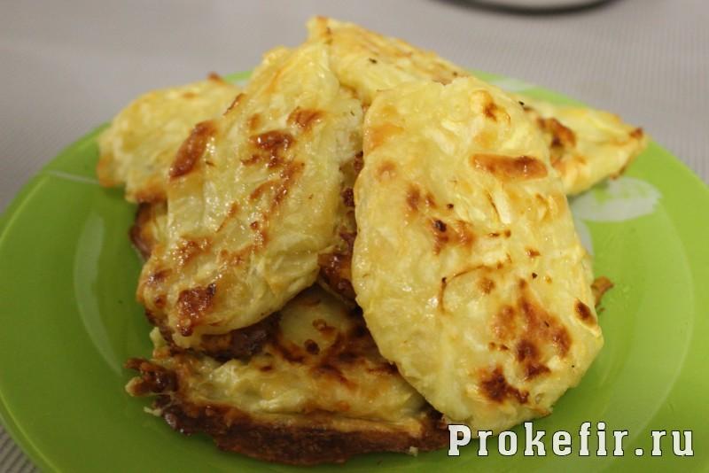 Котлеты из кабачков с сыром и чесноком в духовке с кефиром