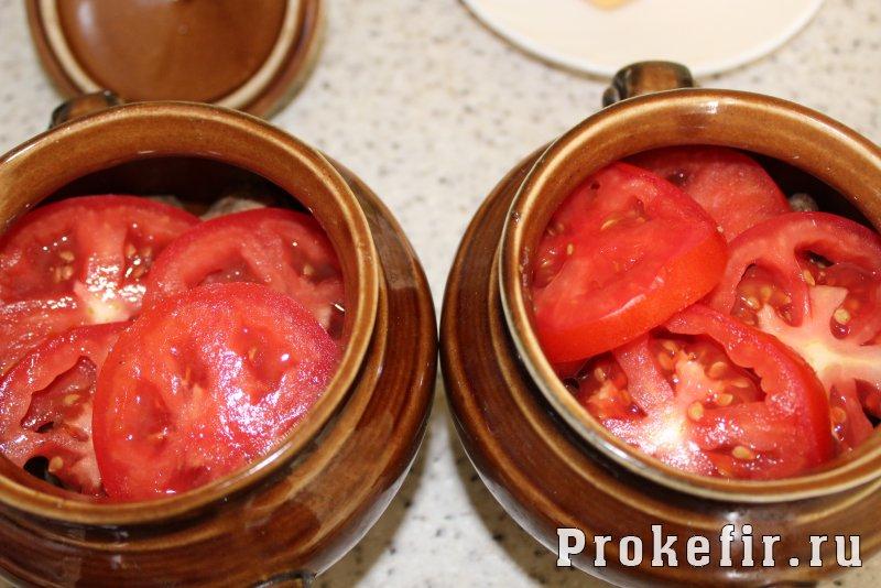 Куриная печень с картошкой в духовке в горшочках: фото 7