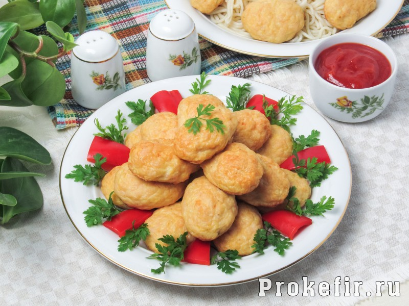 Куриные котлеты с творогом в духовке с кабачком и кефиром: фото 6
