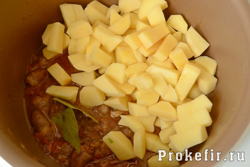 Куриные сердечки в мультиварке с картошкой: фото 6