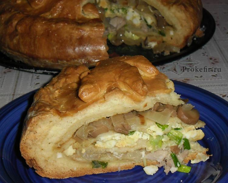 Кусочек пирога курник на тесте из кефира