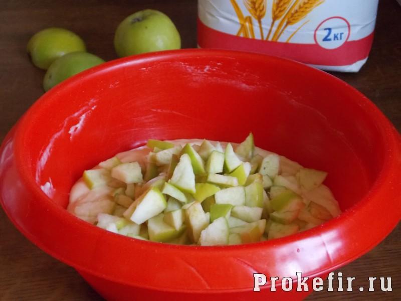 Маффины с яблоком на кефире: фото 5
