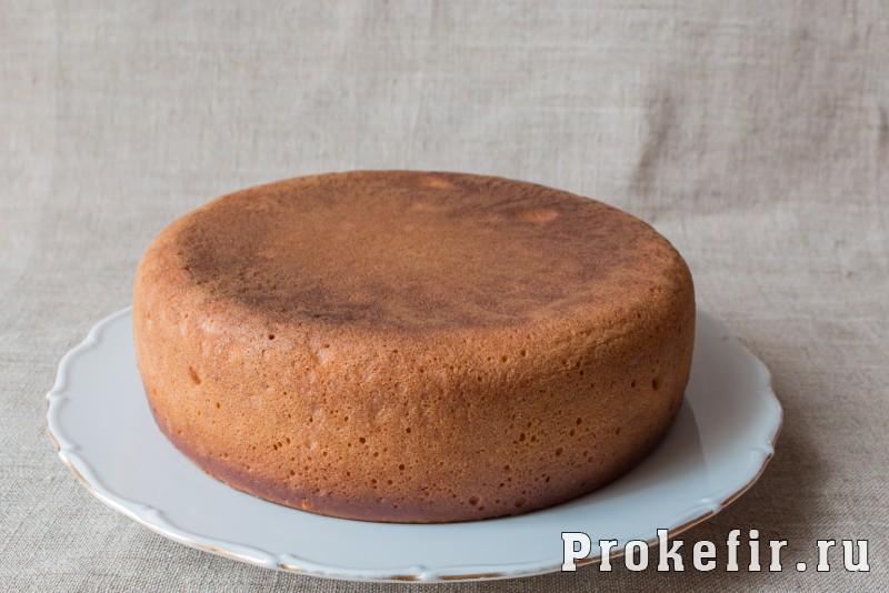 Медовый бисквит в мультиварке на кефире: фото 13