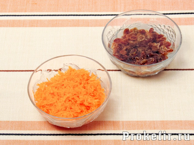 Морковный кекс в мультиварке без масла на кефире: фото 2