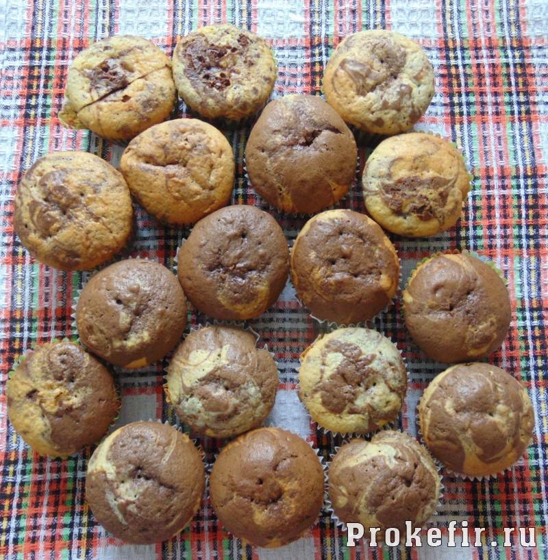 Мраморные кексы на кефире: фото 13