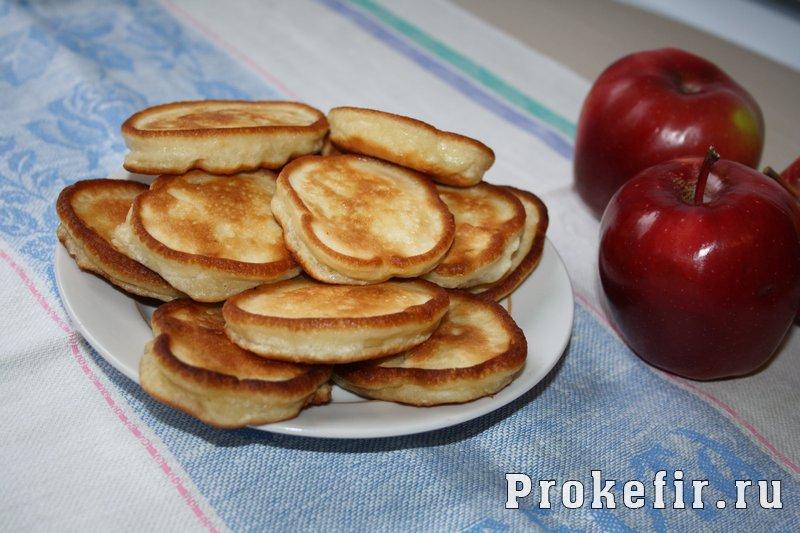 Оладьи на кефире с яблоками: фото 8