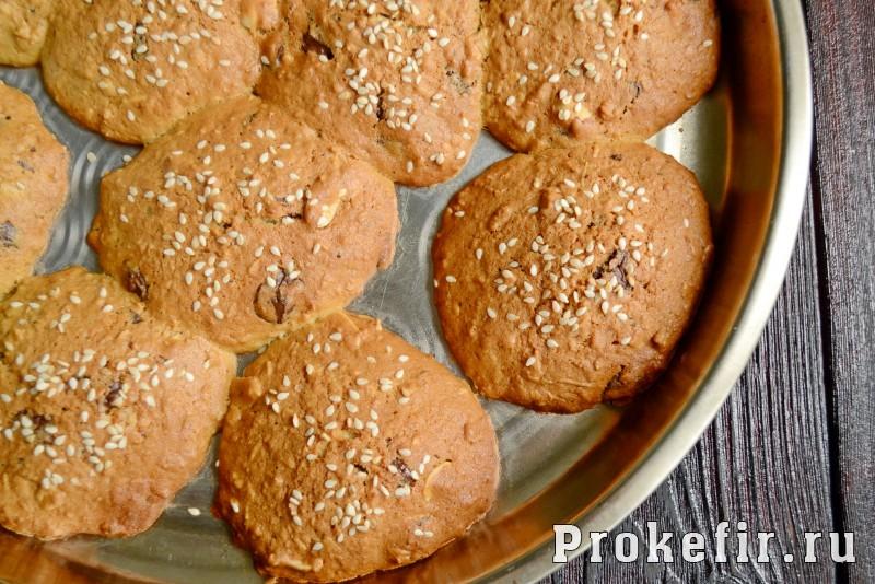 Овсяное печенье рецепт классический с шоколадом и орехами на кефире: фото 8