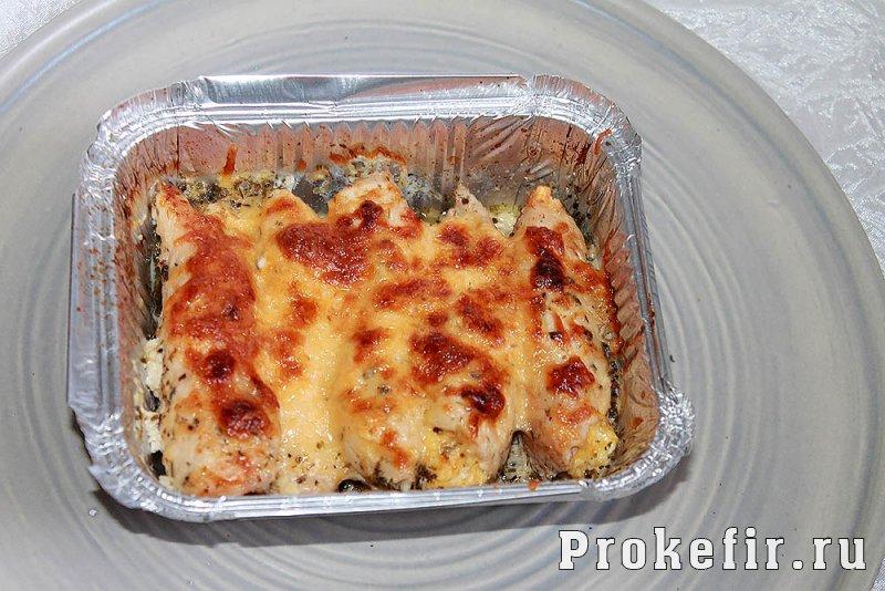 Палчики из куриного филе с сыром и яйцом в духовке: фото 14
