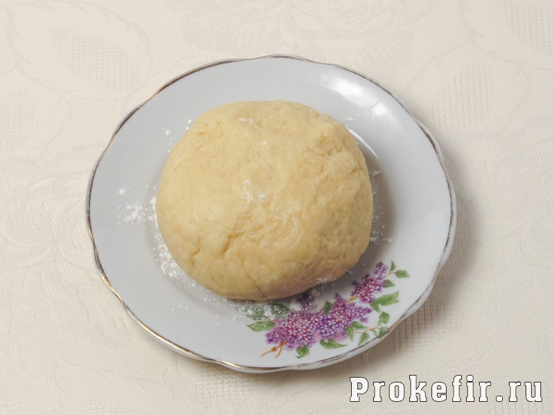 Песочный пирог со сливами и заливкой на кефире: фото 4