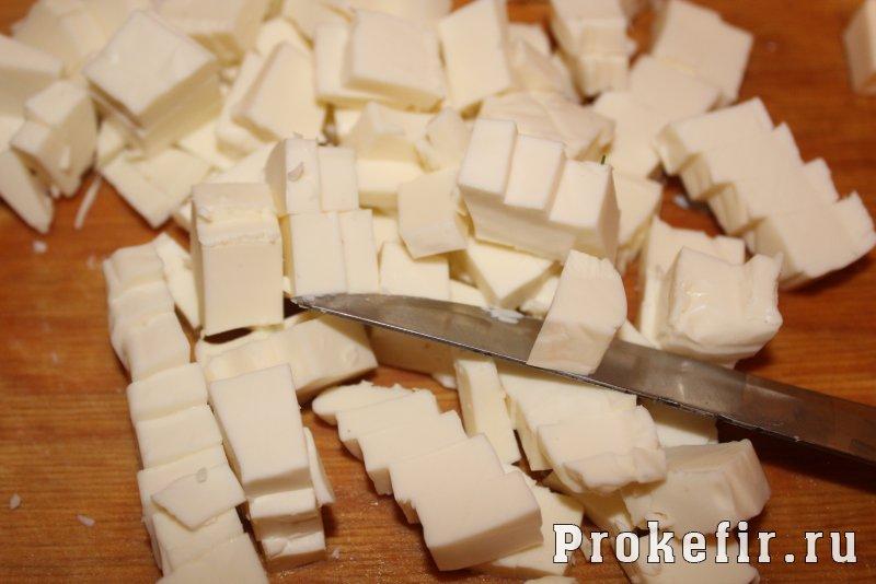 Пирог бешамел с плавлеными сырками на кефире: фото 7