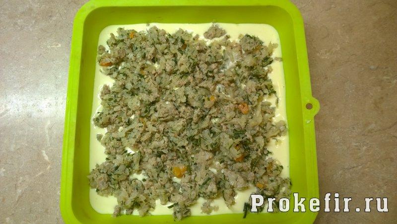 Пирог на кефире и майонезе с фаршем и капустой: фото 6