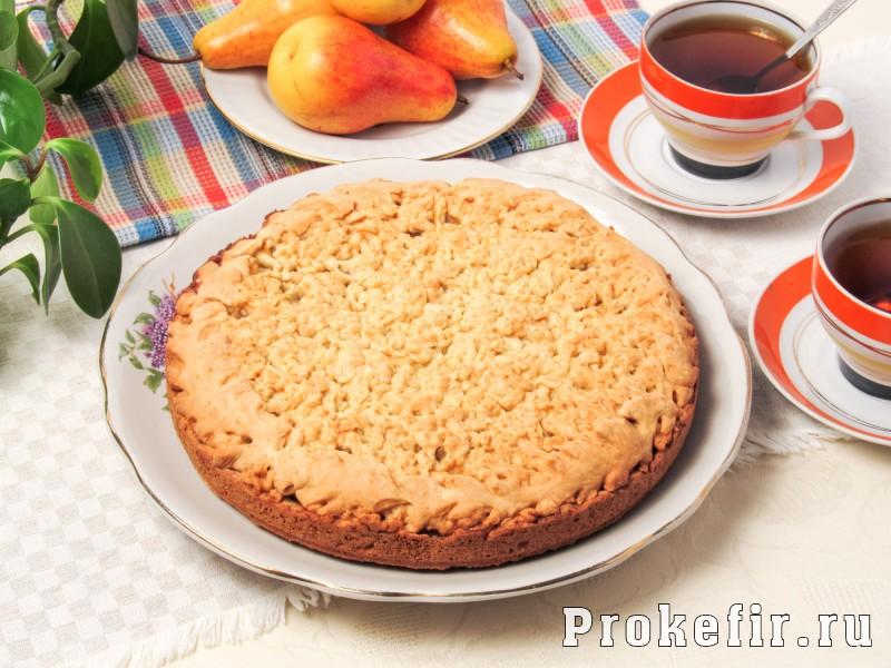 Пирог с грушами простой рецепт на кефире: фото 8