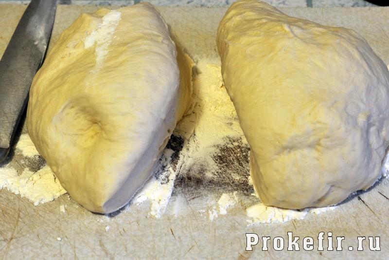 Пирог с капустой и грибами из дрожжевого теста на кефире: фото 6