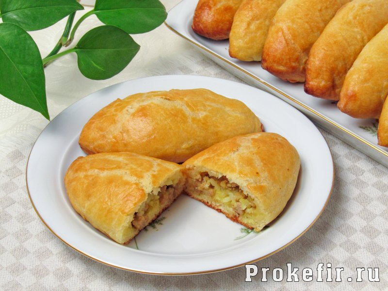 Пирожки с мясом и рисом в духовке на кефире