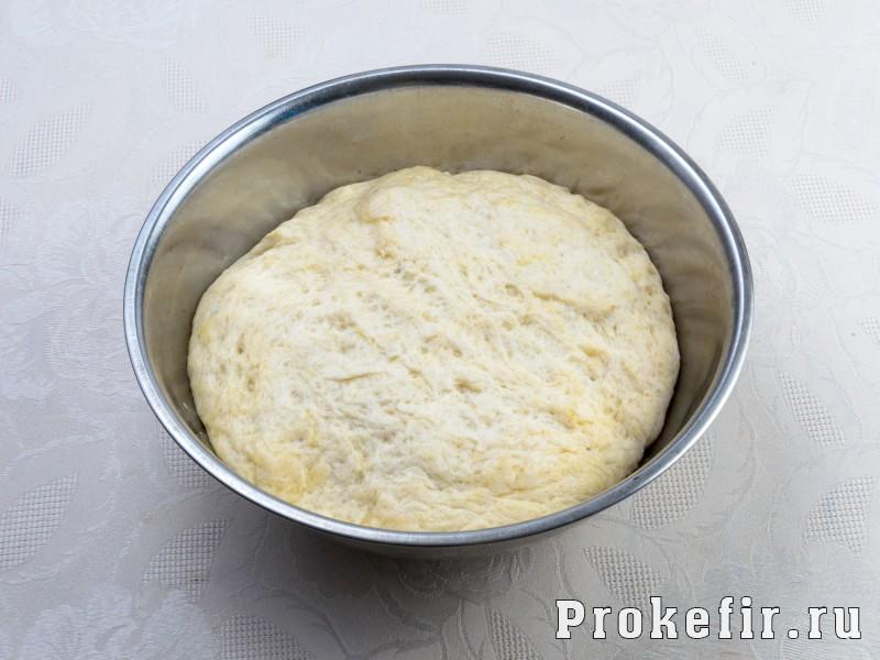 Пирожки с повидлом в духовке из дрожжевого теста на кефире: фото 2