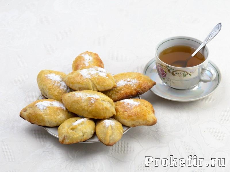 Пирожки с повидлом в духовке из дрожжевого теста на кефире: фото 4
