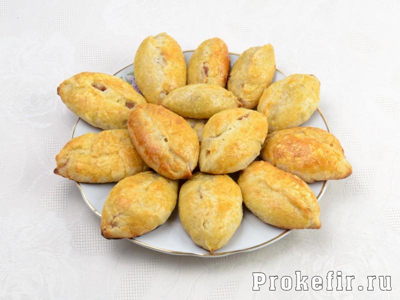 Пирожки с повидлом в духовке из дрожжевого теста на кефире