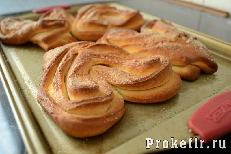 Плюшки с сахаром из дрожжевого теста в духовке: фото 14