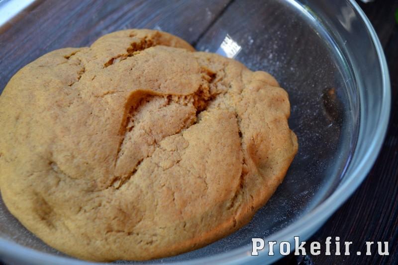 Пшенычно ржаной хлеб с паприкой и горчицей на кефире: фото 6