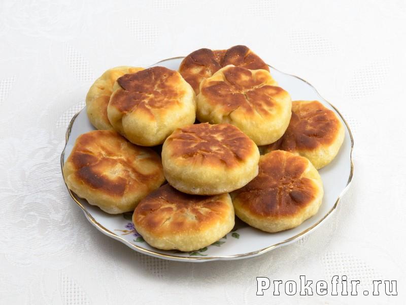 Пышки на дрожжах и кефире жареные на сковороде: фото 5