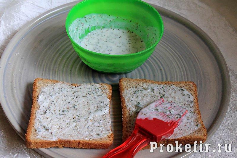 Рецепты простых горячих сырных бутербродов в духовке с колбасой и помидорами с кефирными соусами: фото 9