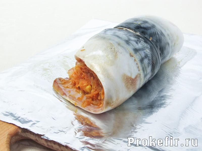 Рулет из скумбрии запеченный в духовке с морковью и луком в фолге: фото 5