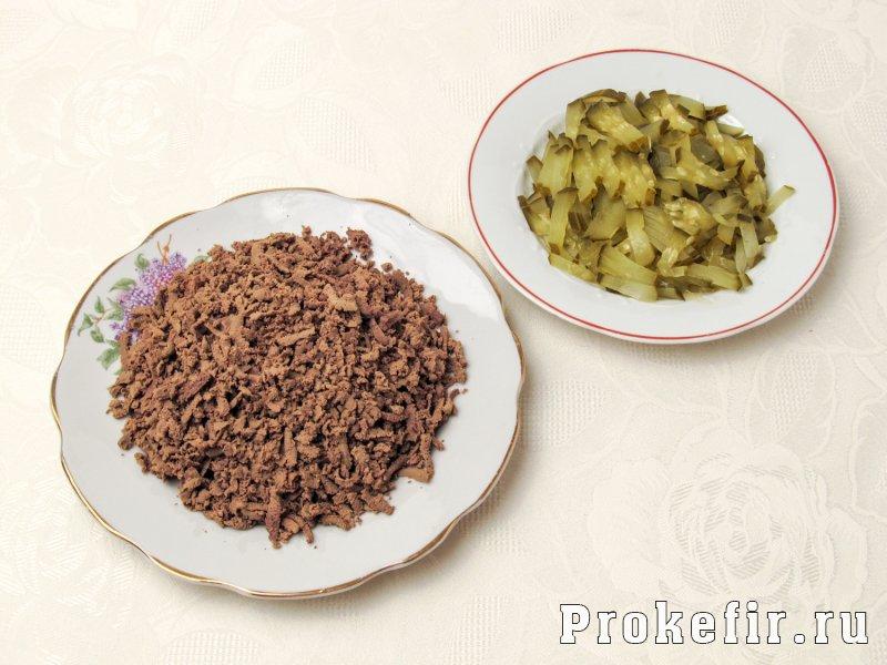 Салат с печенью говяжьей и морковью по корейски и солеными огурцами: фото 3